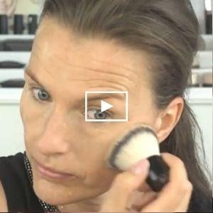 Basis make-up - Aanbrengen van minerale make-up